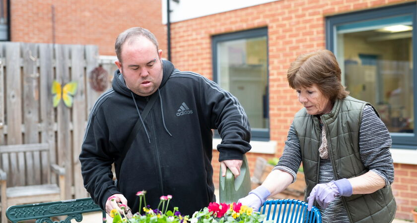 PWS Carlton Ricky and staff Gardening
